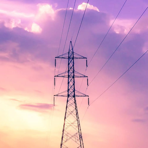 photography-of-electric-tower-during-sunset-923953-recadree